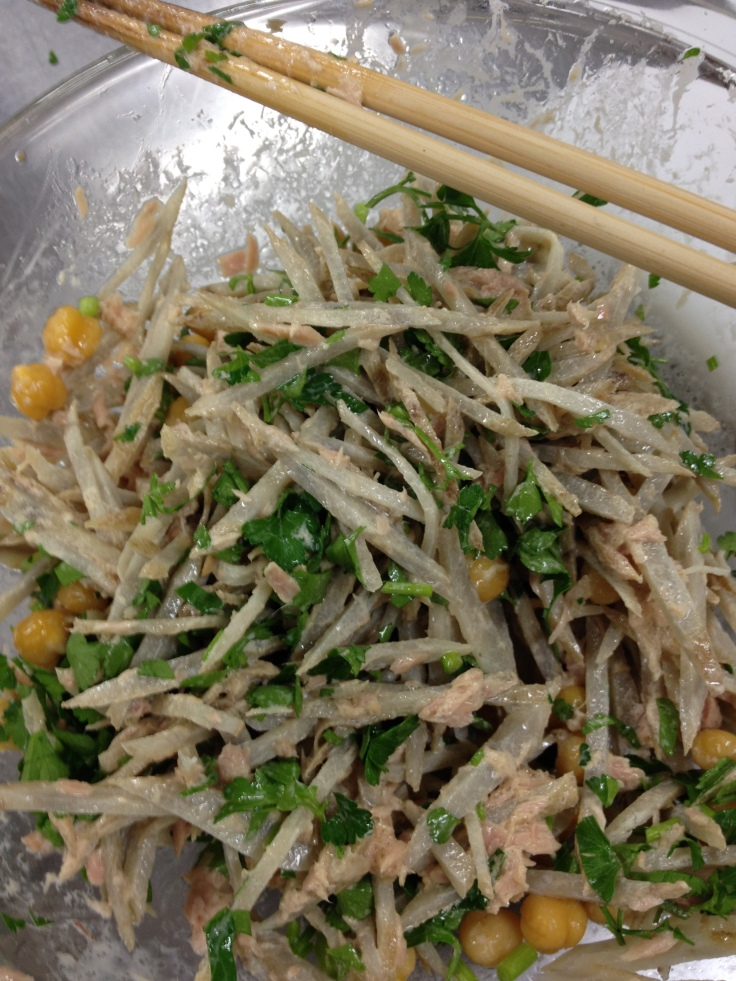 Garbanzo Gobō Tuna Salad