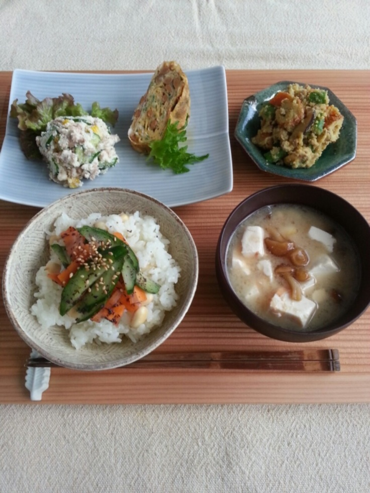 Okara Salad (Mock Potato Salad) , Nattō Tamagoyaki and Curry Flavored Okara (top). Cucumber and Carrot Yukari-ae on Rice and Nameko and Tofu Misoshiru (bottom)