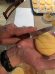 cut a crosshatch pattern into the external dough