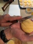 cut a crosshatch pattern into the external dough